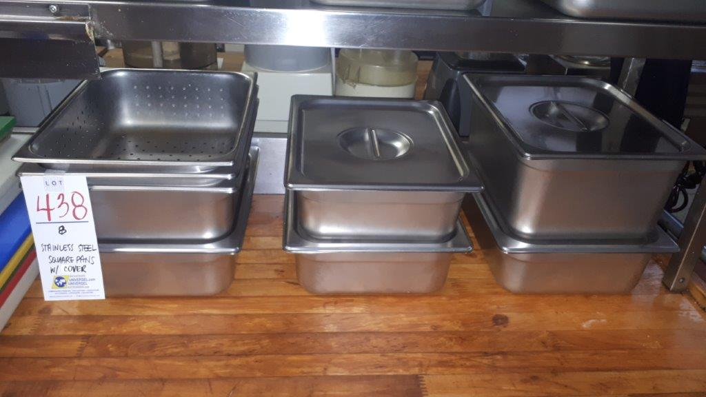 Lot 438 - Stainless steel square pans w/covers