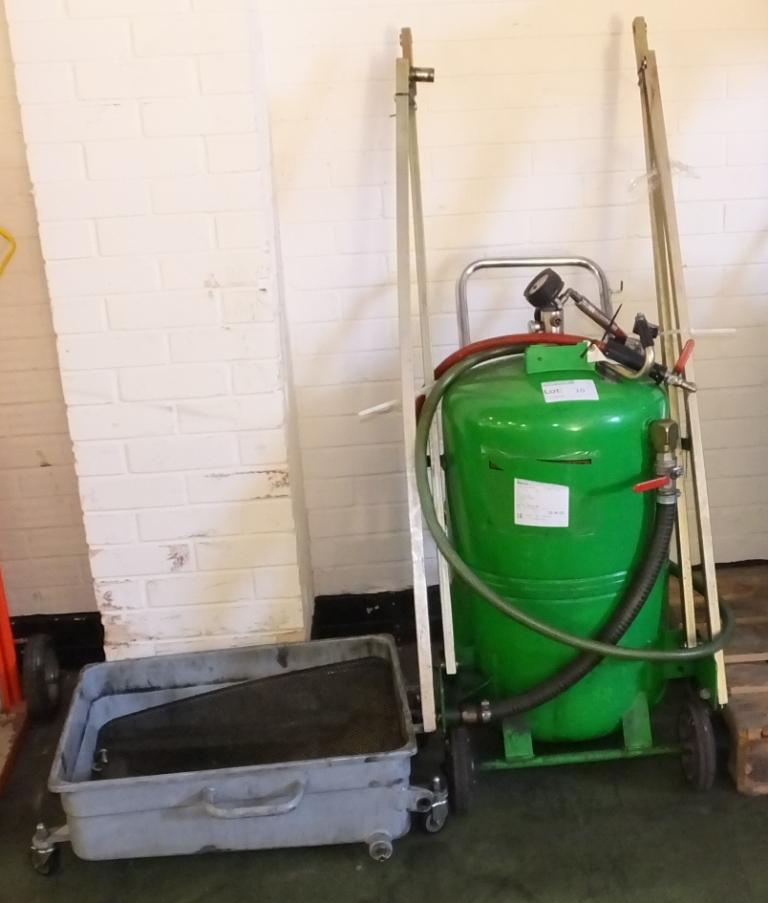 Lot 10 - Rasm Universal Oil suction drainer 115L model R/A0.P.