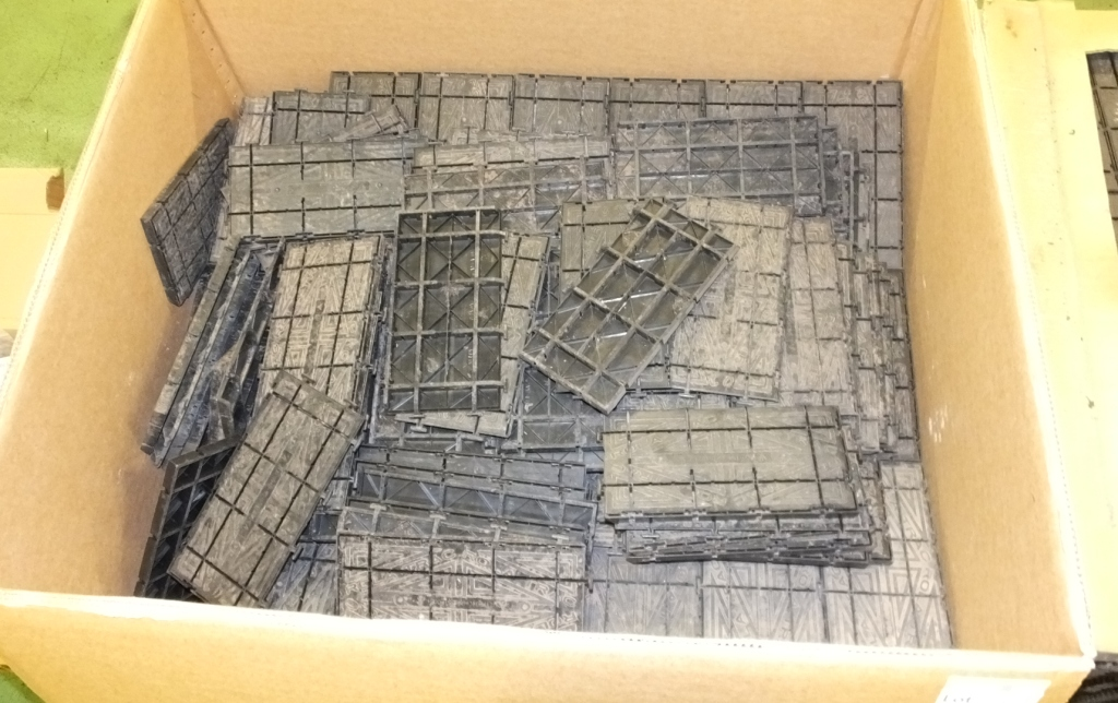 Lot 55 - Approx 30x Rola-trac panels (some in pieces)