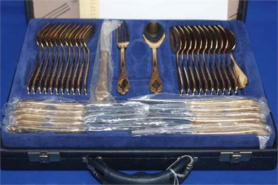 BESTECKE SOLINGEN 23/24 KARAT GOLD PLATED CUTLERY SET in fitted briefcase with certificates & BESTECKE SOLINGEN 23/24 KARAT GOLD PLATED CUTLERY SET in fitted ...