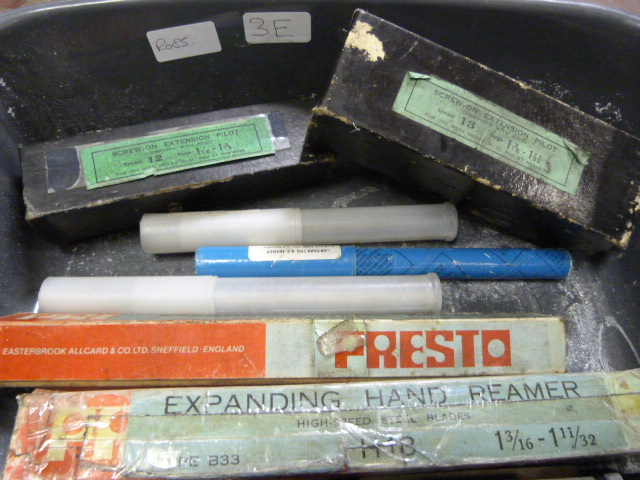 Lot 3e - Box of Assorted Taps, Machine Reamers and Screws o
