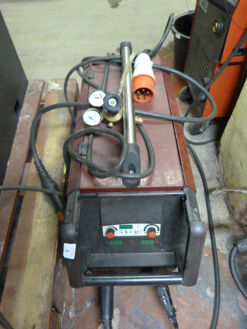 Lot 5 - *Thermal Arc Powermaster Plus Three Phase Mig Weld