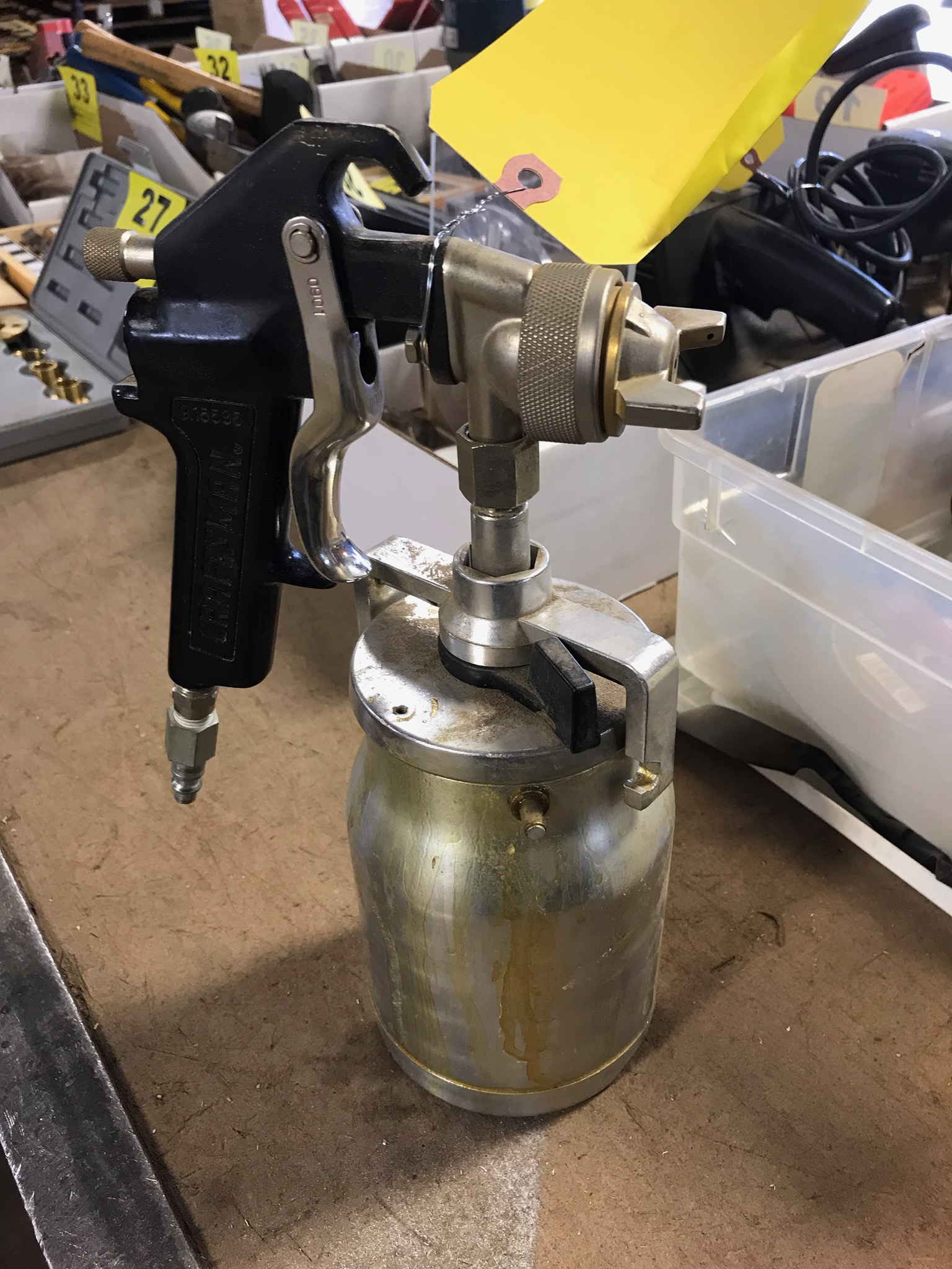 Lot 18 - CRAFTSMAN PNEUMATIC SPRAY GUN