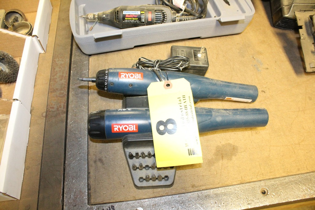 Lot 8 - RYOBI CORDLESS SCREW DRIVER AND FLASHLIGHT WITH WITH CHARGING BRACKET AND BITS