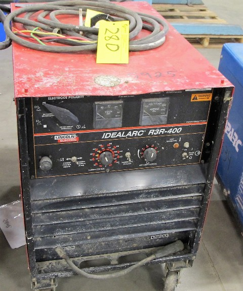 Lot 28D - LINCOLN ELECTRIC R3R-400 ARC WELDER (3942)