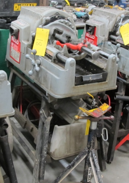 Lot 18 - RIDGID, 535 SERIES, POWER PIPE THREADER W/FOOT CONTROL, 115 VOLT, S/N EBE 01608-102 WITH PIPE