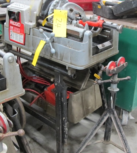 Lot 24 - RIDGID, 535 SERIES, POWER PIPE THREADER W/FOOT CONTROL, 115 VOLT, S/N EBE 04589-0205 WITH PIPE STAND