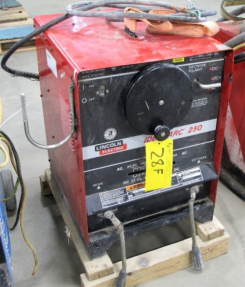 Lot 28F - LINCOLN ELECTRIC IDEAL ARC 250 WELDER, S/N U10902P3047