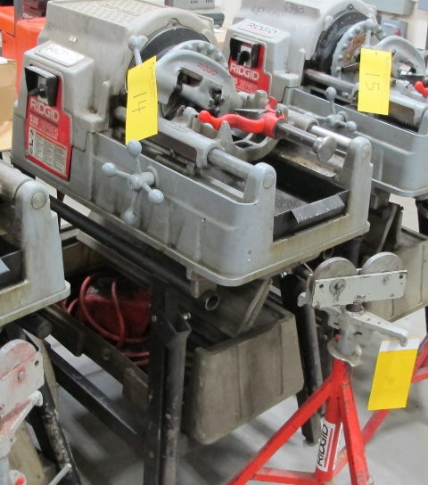 Lot 14 - RIDGID, 535 SERIES, POWER PIPE THREADER W/FOOT CONTROL, 115 VOLT, S/N EBE 03975-0904 WITH PIPE STAND