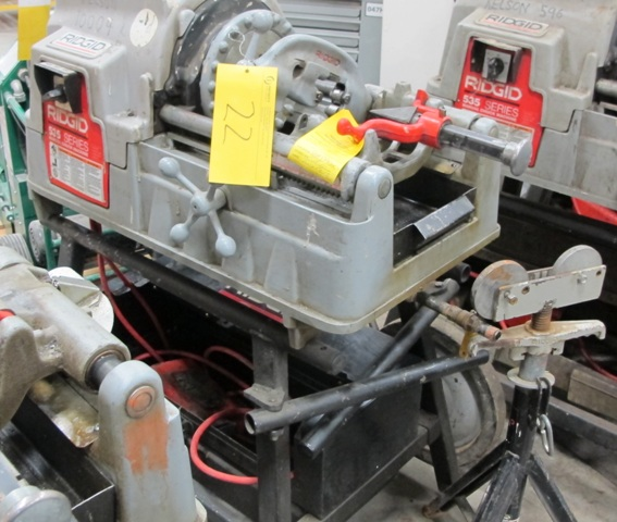 Lot 22 - RIDGID, 535 SERIES, POWER PIPE THREADER W/FOOT CONTROL, 115 VOLT, S/N EBE 10564-0408 WITH PIPE STAND