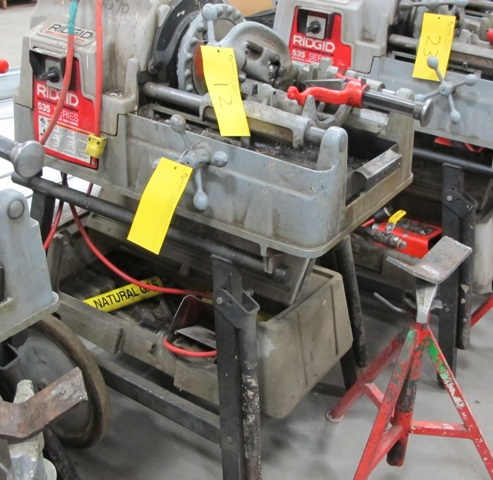 Lot 12 - RIDGID, 535 SERIES, POWER PIPE THREADER W/FOOT CONTROL, 115 VOLT, S/N EBE 05738-1205 WITH PIPE STAND
