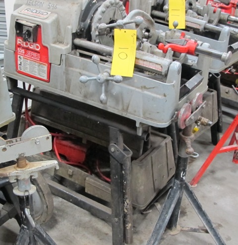 Lot 10 - RIDGID, 535 SERIES, POWER PIPE THREADER W/FOOT CONTROL, 115 VOLT, S/N EBE 01626-102 WITH PIPE