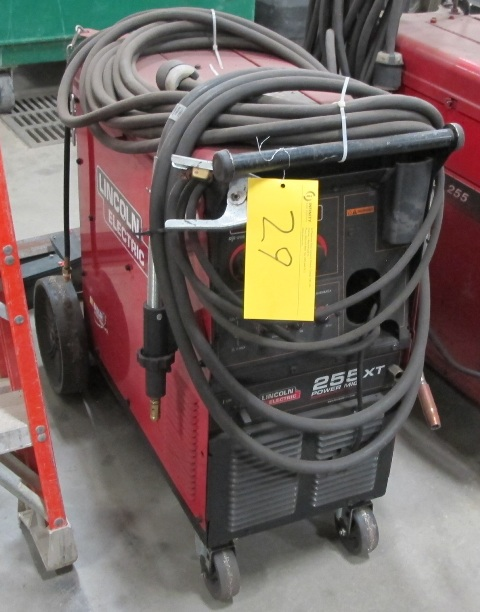 Lot 29 - LINCOLN ELECTRIC POWER M19255 ELECTRIC WELDER, S/N 11520