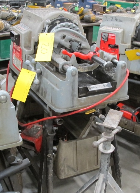 Lot 20 - RIDGID, 535 SERIES, POWER PIPE THREADER W/FOOT CONTROL, 115 VOLT, S/N EBE 04584-020 WITH PIPE