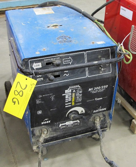 Lot 28G - COMPARC M1 300/250, AC-DC ARC WELDER