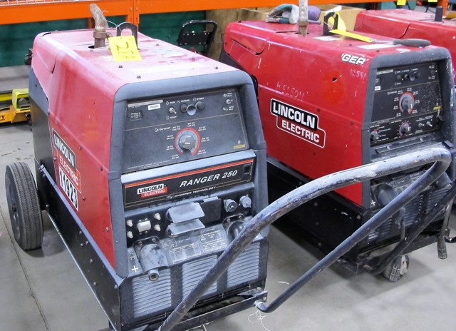 Lot 28A - LINCOLN ELECTRIC PROPANE POWERED ARC WELDER, S/N K2336-2-11434