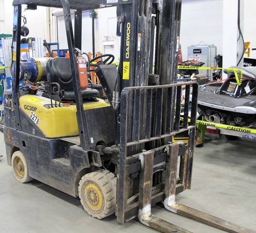 Lot 4A - DAEWOO MOD GC 30P-3, 6000 LB PROPANE FORKLIFT W/SIDE SHIFT, 3 STAGE MAST, S/N DM-00663, NO TANK (