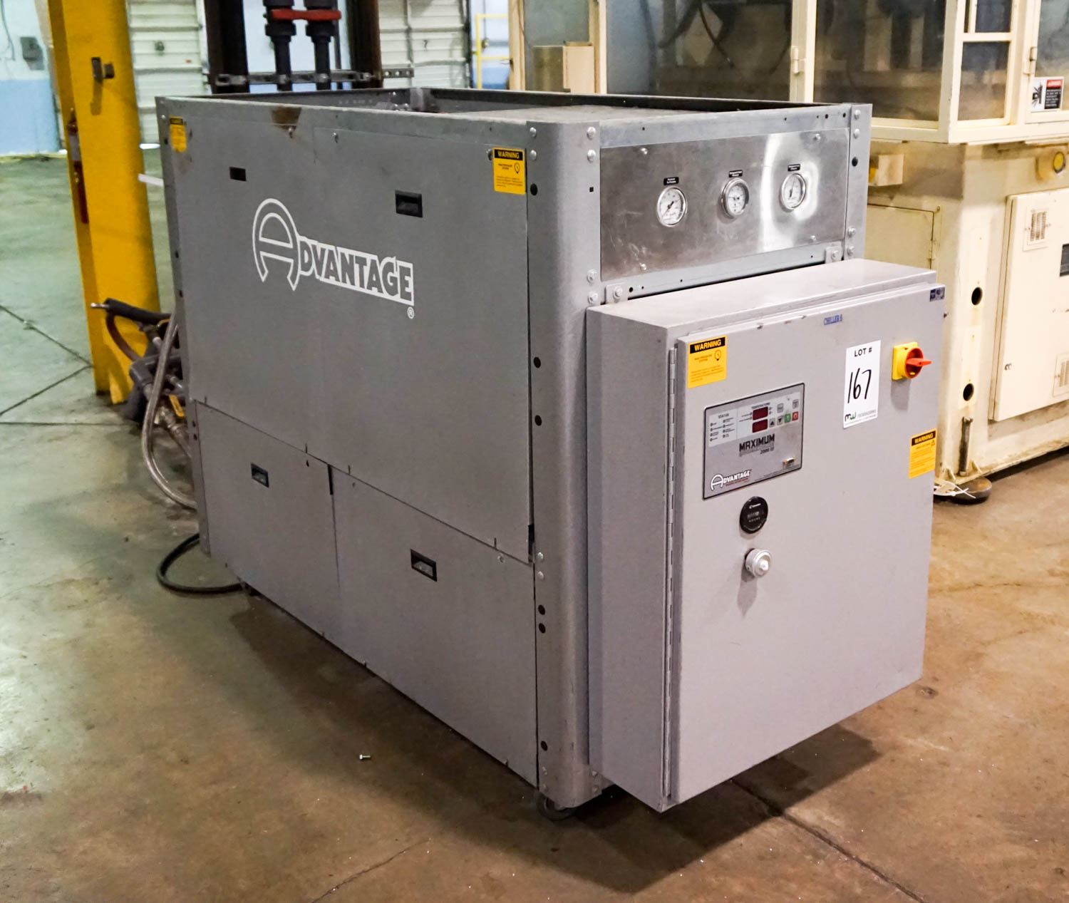 Lot 167 Advantage M1 10W Chiller: 10 Ton 2 HP 26 GPM Flow 37.2 kw  #C28B09
