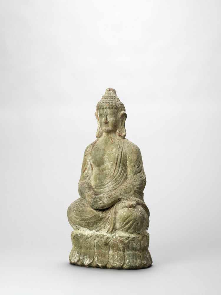 A TERRACOTTA FIGURE OF BUDDHA, 19TH CENTURY - Bild 2 aus 6