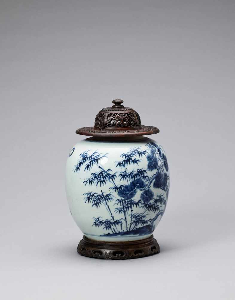 A BLUE AND WHITE GLAZED PORCELAIN 'THREE FRIENDS OF WINTER' GINGER JAR, KANGXI <br - Bild 4 aus 7