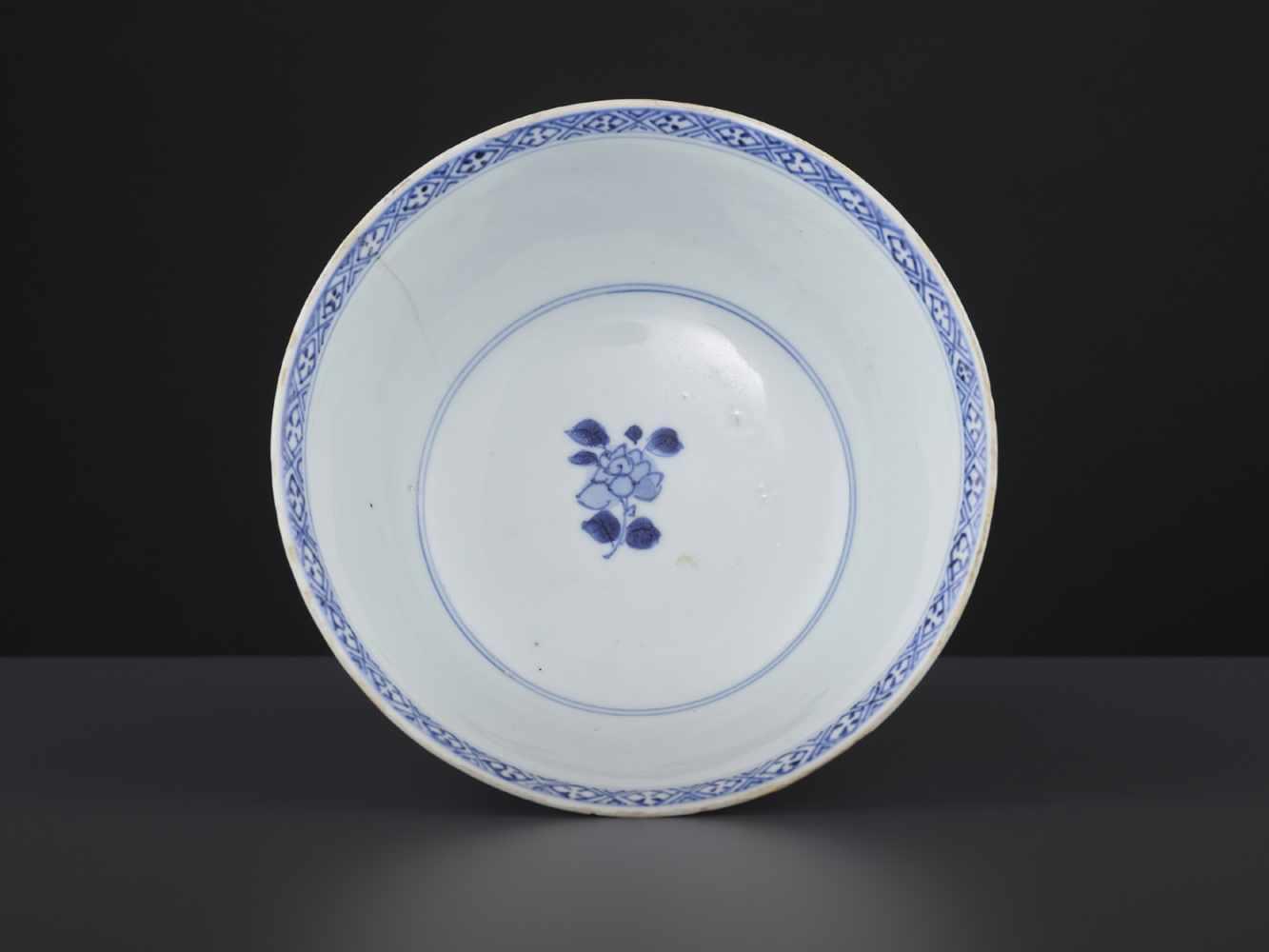 A BLUE & WHITE BOWL, KANGXI - Bild 7 aus 9