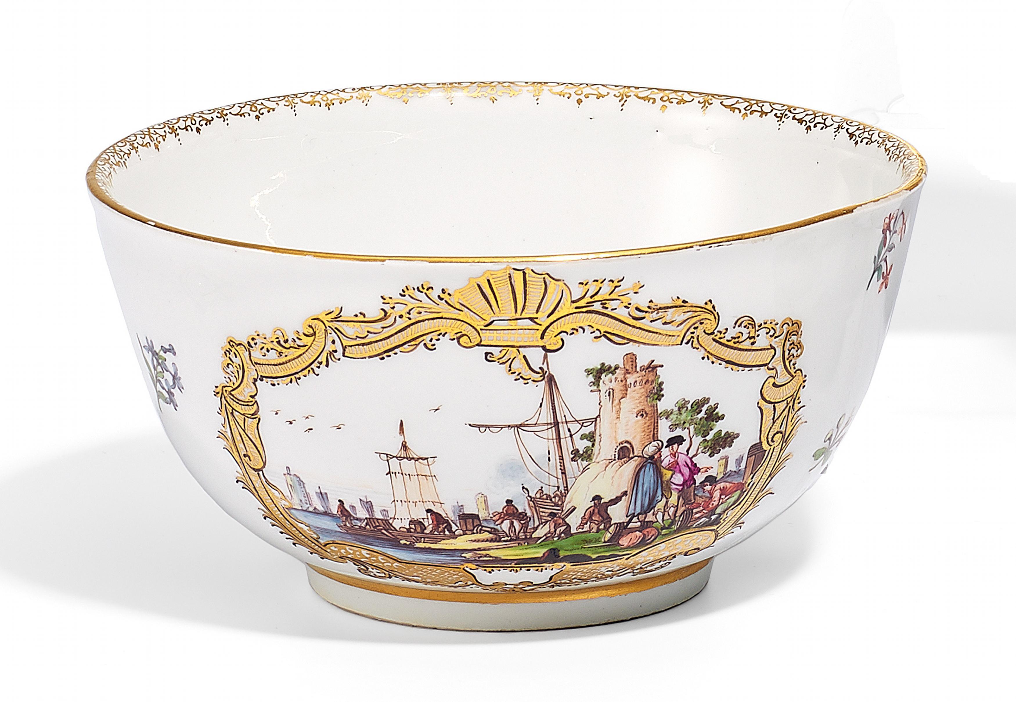 kumme mit kauffahrteiszenen meissen 1735 40 porzellan farbig und gold dekoriert gegenst n. Black Bedroom Furniture Sets. Home Design Ideas
