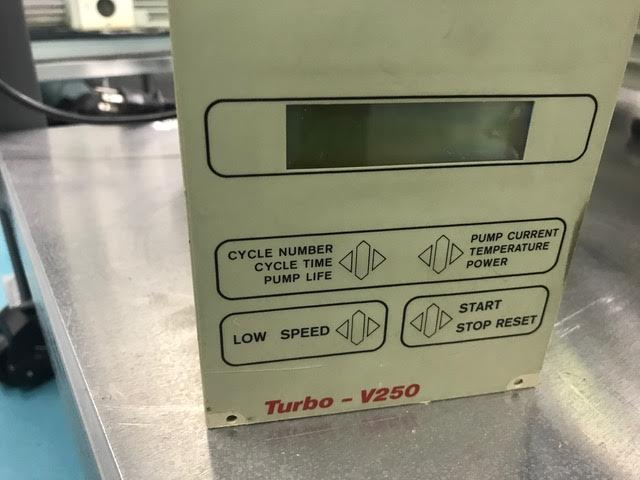 Lot 37 - VARIAN Turbo- v250