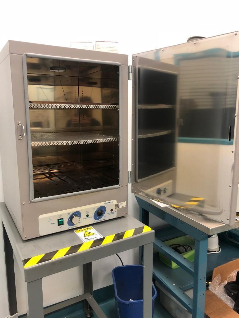 Lot 64 - VWR CONTROLLED ATMOSPHERE OVEN