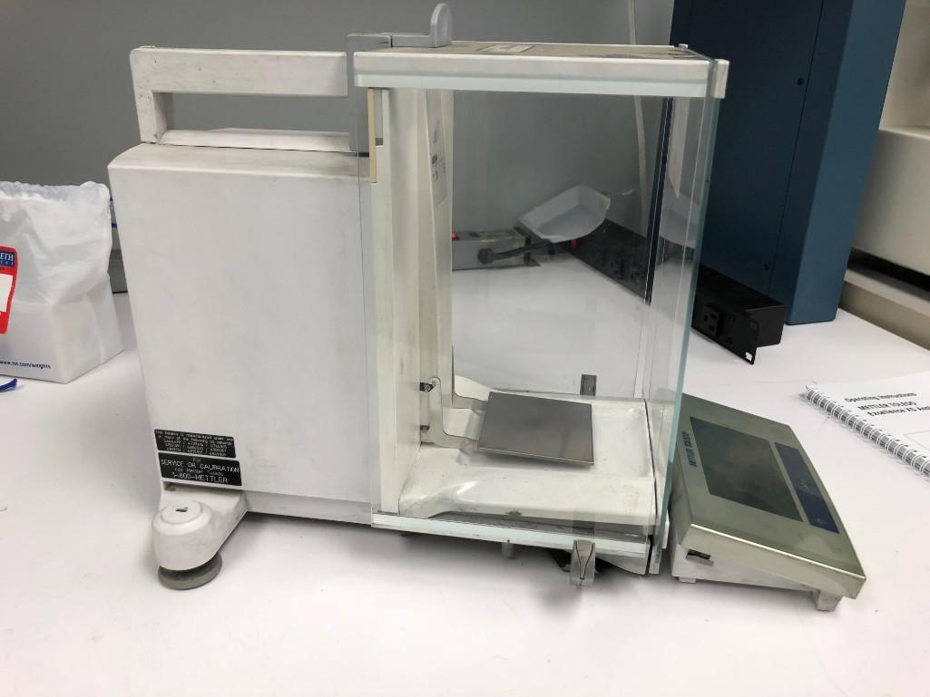 Lot 7 - Mettler Toledo Excellence XS Analytical Balances XS204