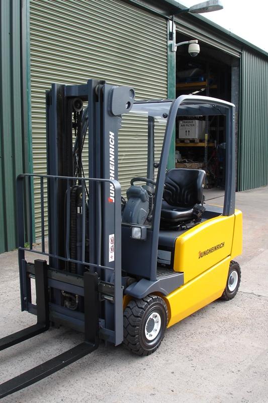 Lot 6 - Jungheinrich 1.6 ton Forklift
