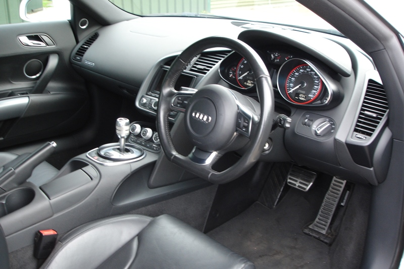 Lot 12 - Audi R8 Quattro V10 S-A