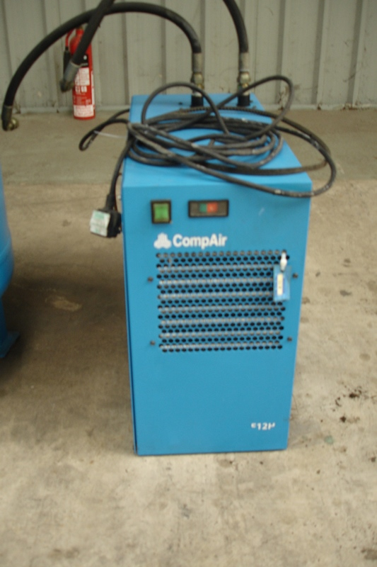 Lot 15 - 11kw Compair Compressor With Tank & Dryer
