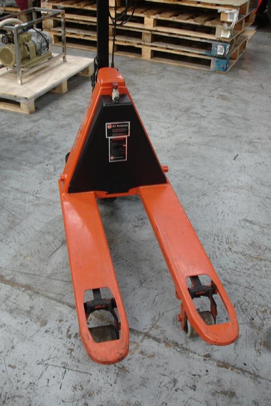 Lot 8 - BT Electric Pallet Truck