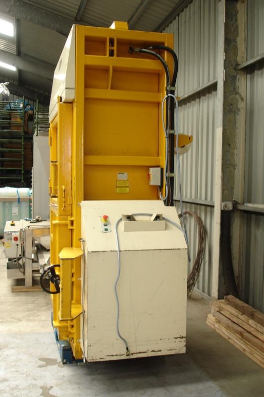 Lot 20 - Bramidan Mill Size Hydraulic Baler