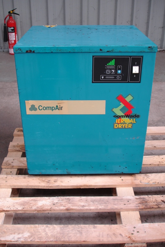 Lot 16 - 7kw Compair Compressor With Tank & Dryer