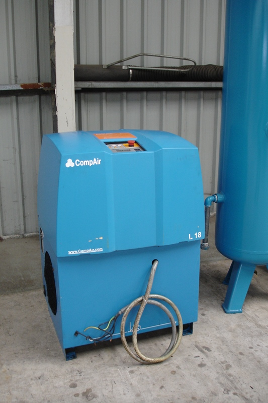 Lot 14 - 18kw Compair Compressor With Tank & Dryer
