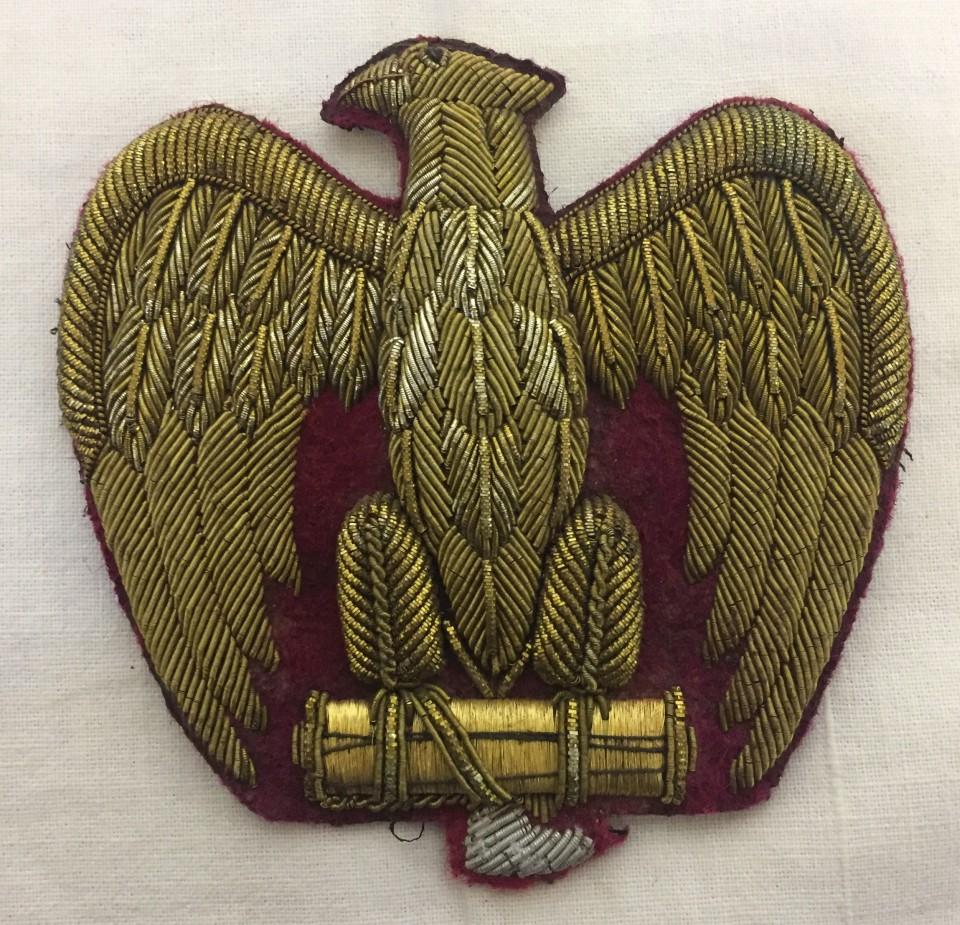 Lot 204 - A Fascist Italian Officers large metallic thread cap badge.