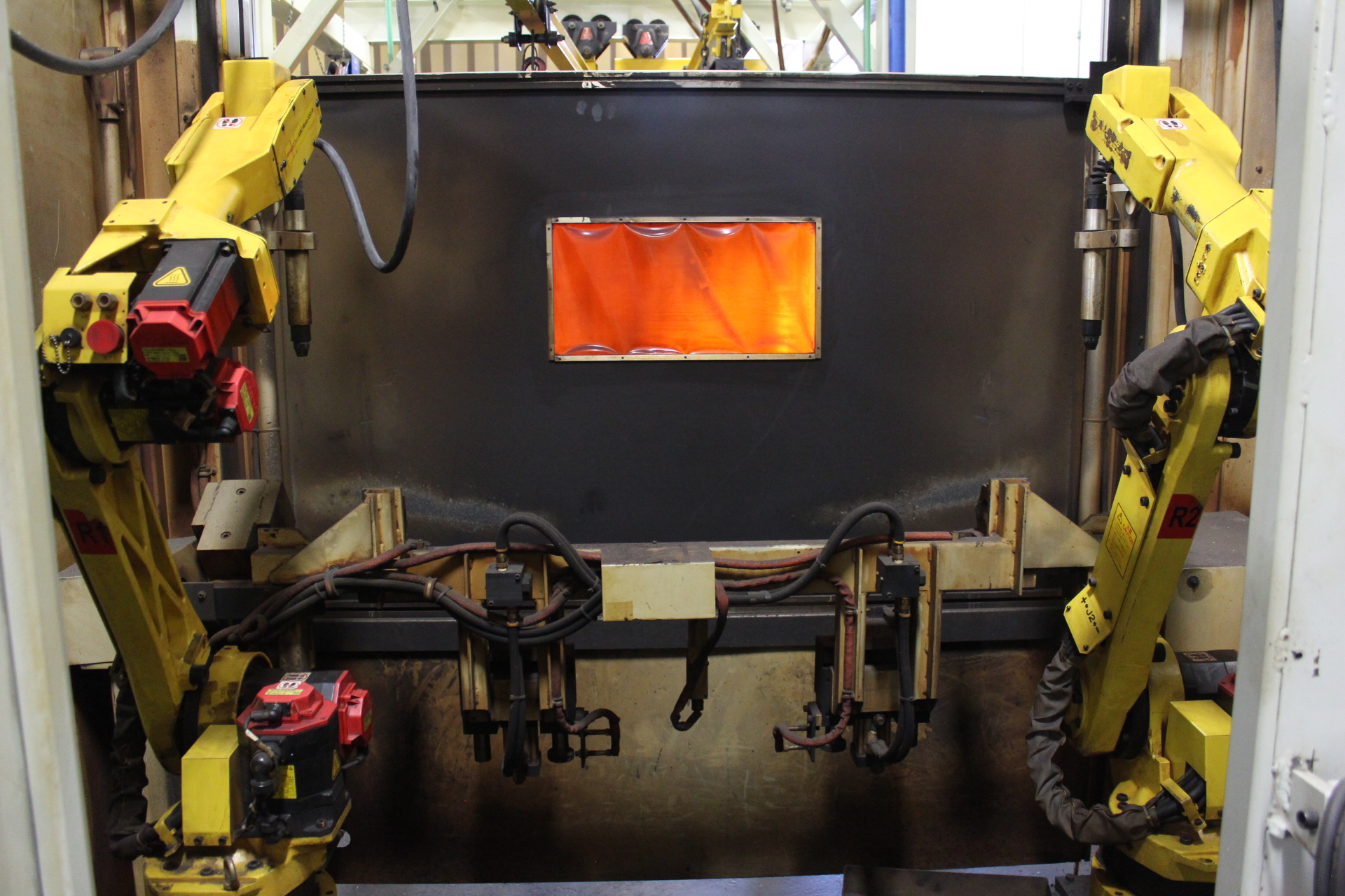 Lot 1 - Fanuc Robotic Welding Cell - Angola, Indiana