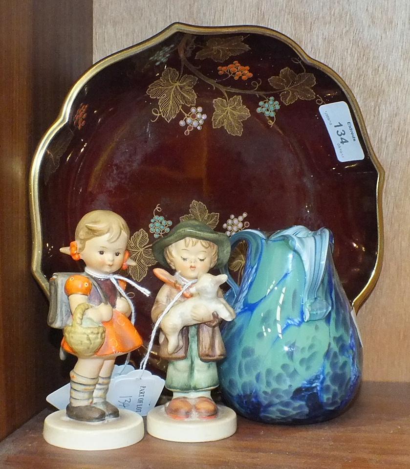 Lot 134 - A Carltonware 'Rouge Royale' bowl, 22.5cm diameter, 5cm high, two Goebel Hummel figures, 'Lost
