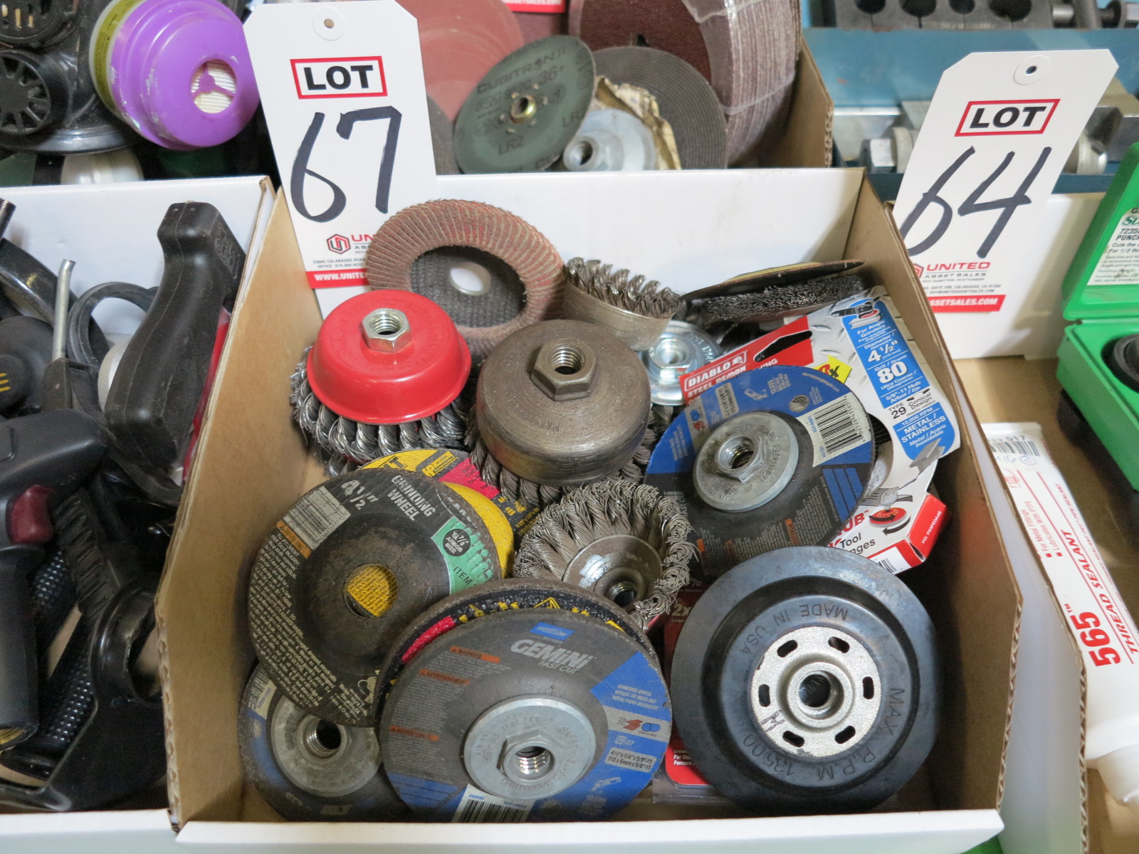 LOT - ANGLE GRINDER GRINDING WHEELS AND CUP BRUSH WIRE WHEELS