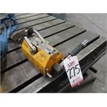 STEEL DRAGON TOOLS 1,320 LB LIFTING MAGNET, MODEL M0600