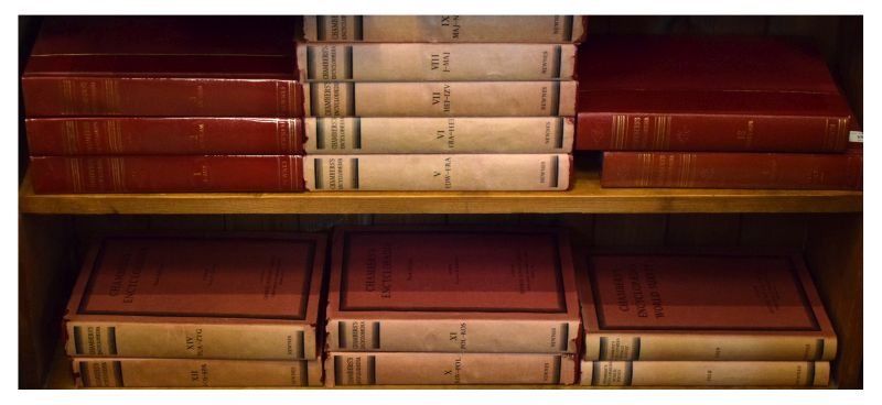 Lot 295 - Books - 16 Chambers Encyclopaedia (Newnes) in various volumes