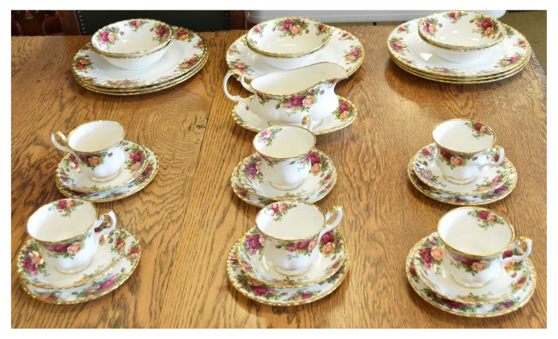 Royal Albert 'Old Country Roses' pattern tea and dinner ware