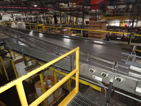 """Multi-Conveyor Pressureless Combiner, 33' Long, Right Hand, 18"""" Rexnord Infeed To (9) 4 1/2"""""""