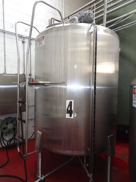 1500 Gallon Cherry Burrell Model 1500CV69-939 Stainless Steel Top Agitated Mixing Tank, 6'