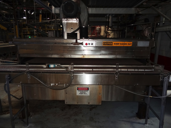 Lot 30 - Uni-Pak Model 820RH Package Warmer, Includes (2) Pumps And Sew Varimot Drive On Right Hand Side,