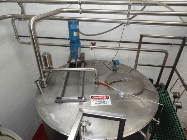 "1200 Gallon Sanitank Stainless Steel Top Agitated Mixing Tank, 5'-6"" Diameter X 7' Straightwall X - Image 2 of 5"