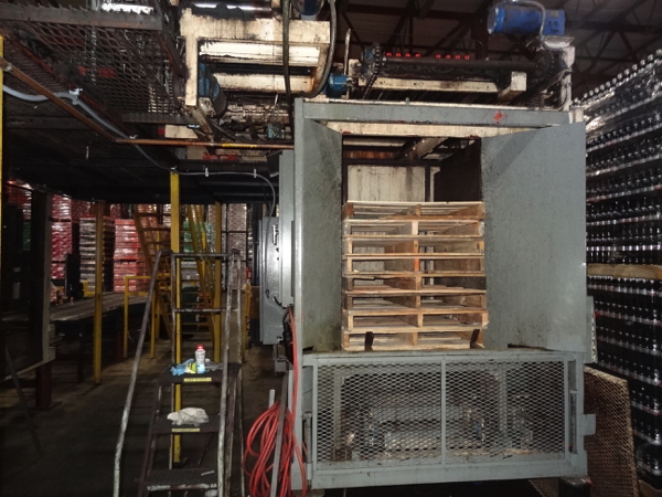 Von Gal Model P7900 High Level Case Palletizer.   NOTE: This lot is subject to the bulk bid of LOT - Image 4 of 7