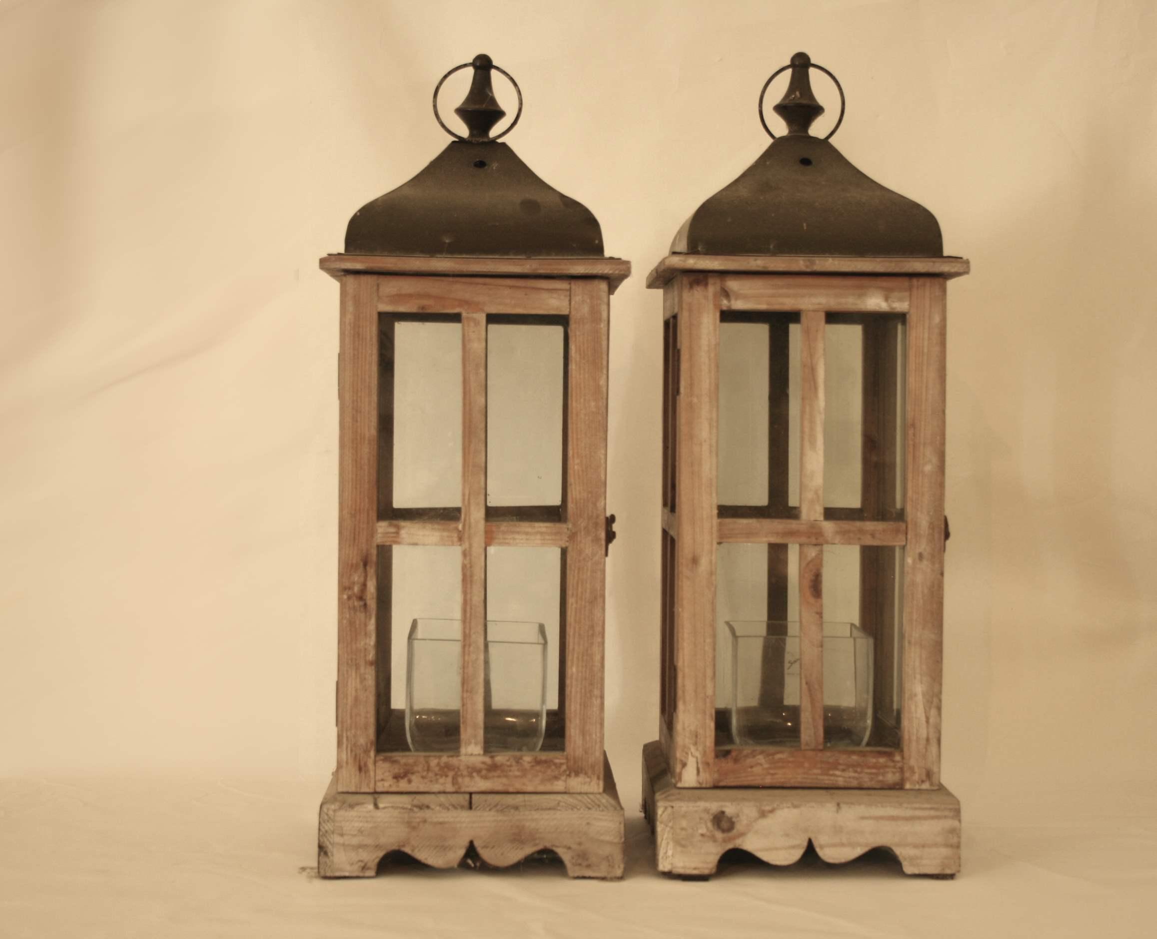 Lot 219 - 2 photophores en forme de maison, parois vitrées + 2 vase en verre de Sandra RICH - [...]