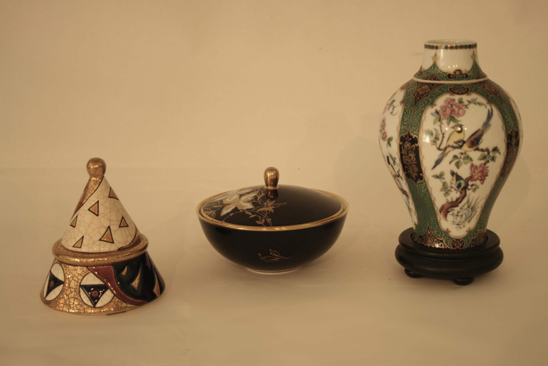 """Lot 209 - Ensemble de 3 objets de décoration : un pot en émail de LONGWY modèle """"Vienne"""", [...]"""